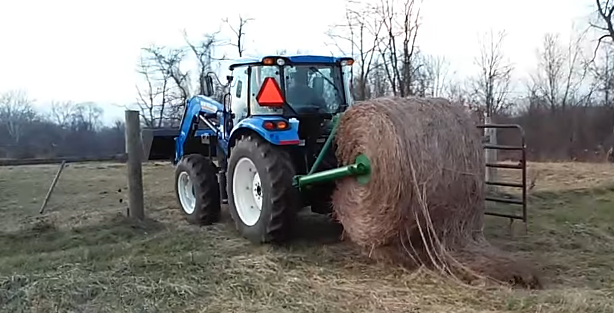 Tractor Bale Unroller